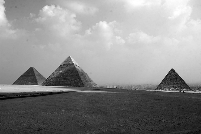 photo-pyramids-anthony-kelly-pyramiden