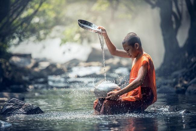 Kind-meditiert