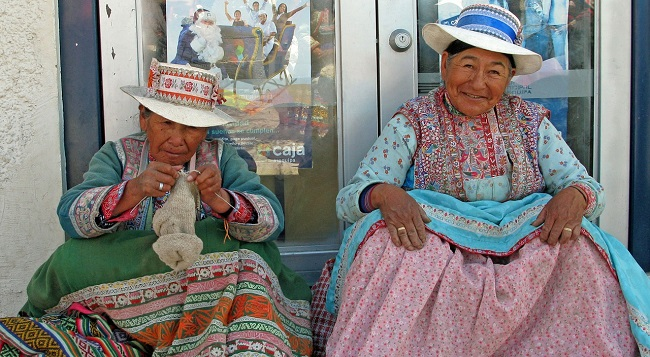 stricken-frauen-peru