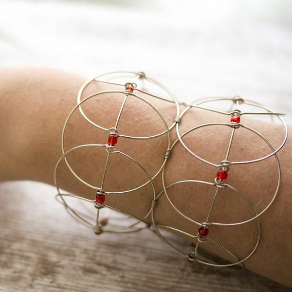 3d-mandala-rot-gesamt-arm