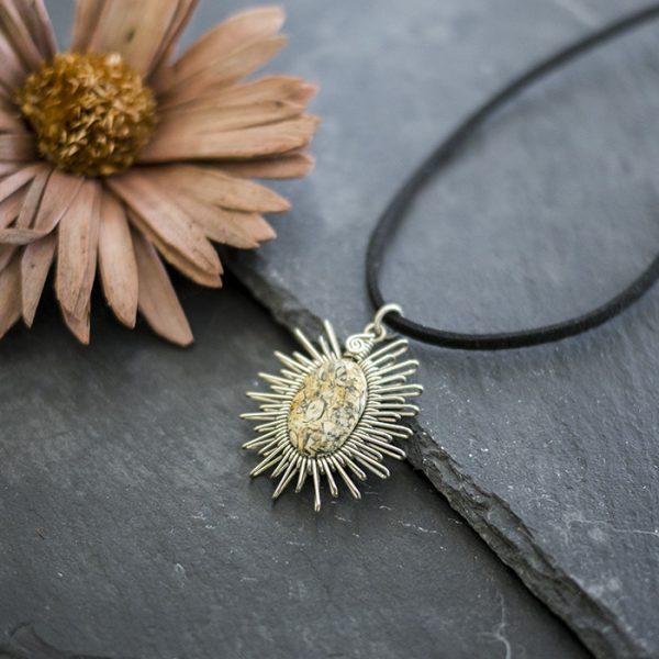 amulett-neusilber-landschaftsjaspis-detail