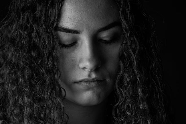 meditation-frau-gesicht